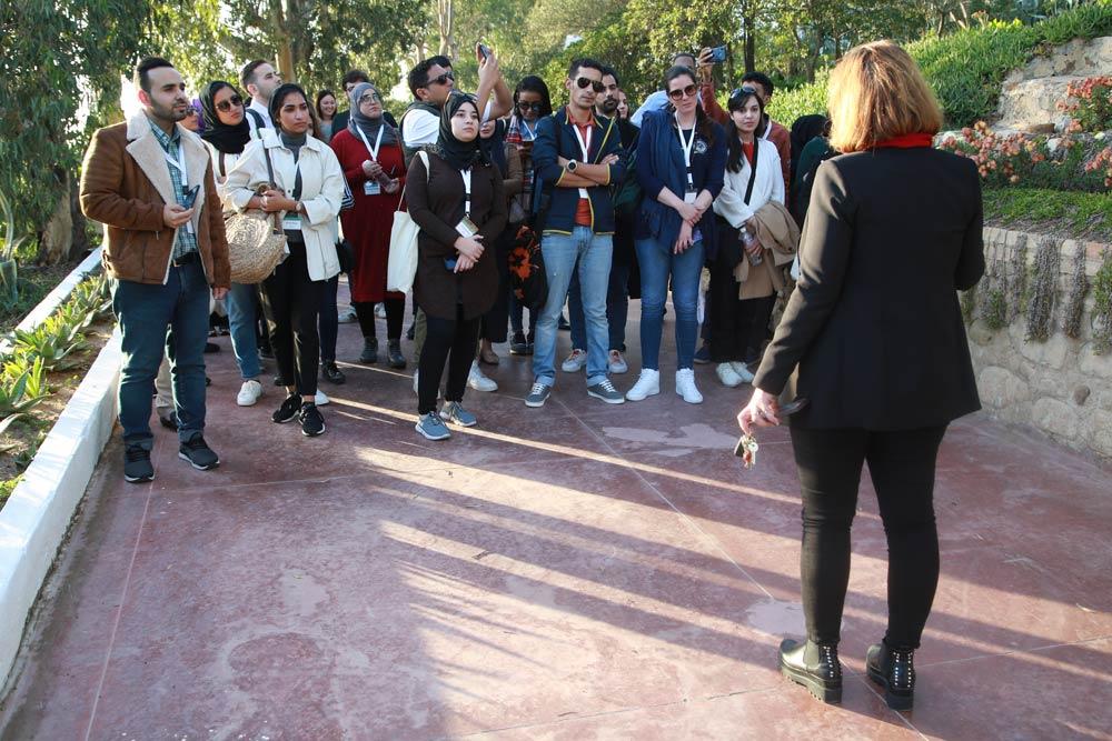 Mme Fatma Jabberi Farroukh, architecte en chef de l'Institut national du patrimoine, a présenté aux participants le contexte des attaques qui ont eu lieu au mausolée de Sidi Bou Said