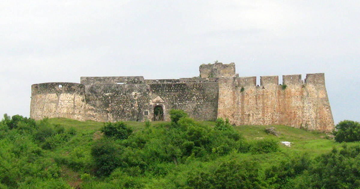 forts and castles volta greater accra central and