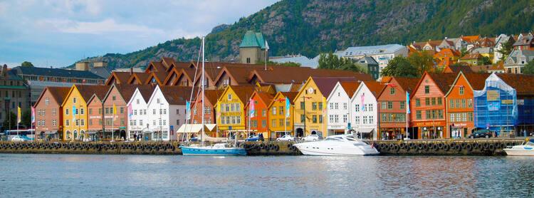 اسکله رنگارنگ بریگن در کشور نروژ، سفر به نروژ