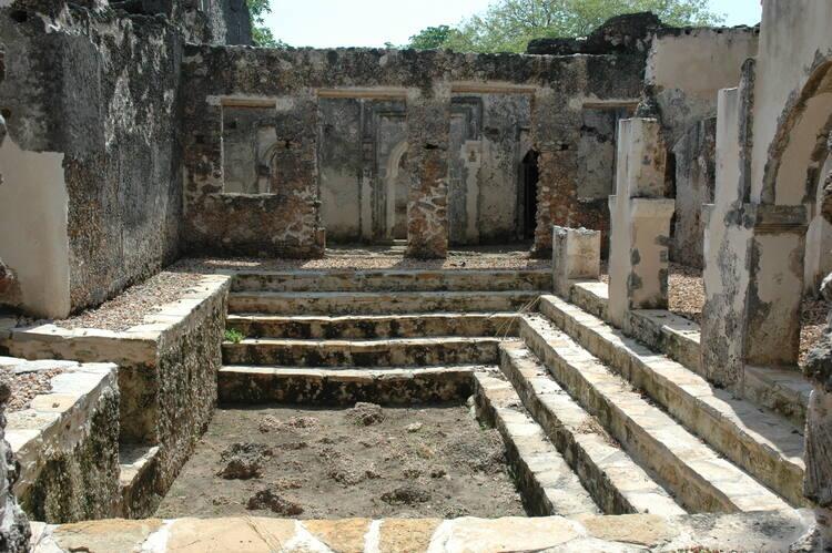 Ruins of Kilwa Kisiwani and Ruins of Songo Mnara - UNESCO World ...